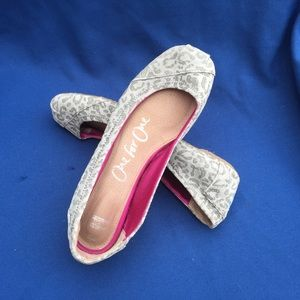 TOMS size 8,5